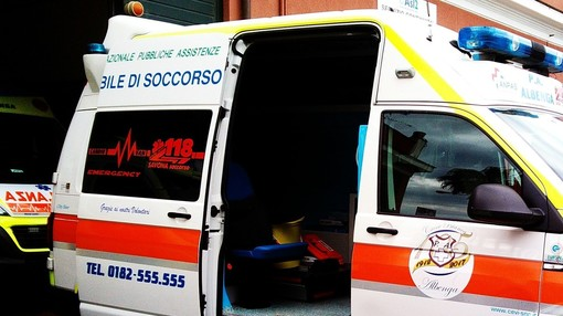 Arnasco: autovettura esce di strada in Regione Marixe