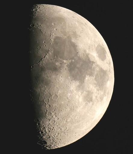 """Luglio è il """"mese della luna"""" con l'Associazione savonese Astrofili Orione"""