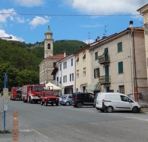 Pallare, incendio camino in piazza San Marco (FOTO)