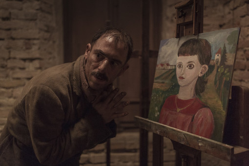 Elio Germano (foto sul set di Enrico De Luigi). In gallery: la suggestiva Arena Leone