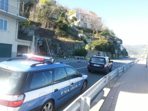Smottamento villa a Noli: ieri il sopralluogo, il movimento franoso è in corso