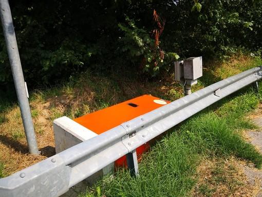"""Piana Crixia, abbattuti i due """"box velox"""" lungo la statale: si ipotizza un atto vandalico"""