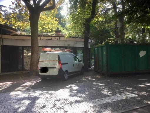 Savona, esercizio di vicinato, wc e punto informazioni nell'ex chiosco di Piazza del Popolo