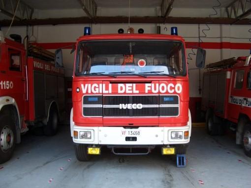 Ceriale: in fiamme un capannone agricolo in via Prae