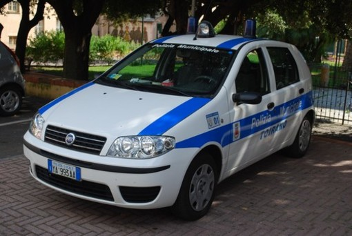 """In vacanza nella seconda casa a Toirano: """"stanato"""" dalla Polizia Municipale"""