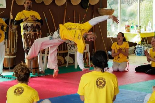 Parkour e Capoeira, due street sport per abbattere ogni tipo di barriera e modificare l'atteggiamento nei confronti della vita di tutti i giorni