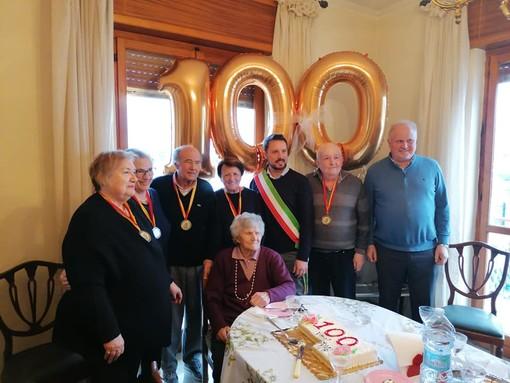 Albenga in festa per il centesimo compleanno di 'nonna' Irma Vigo (FOTO)