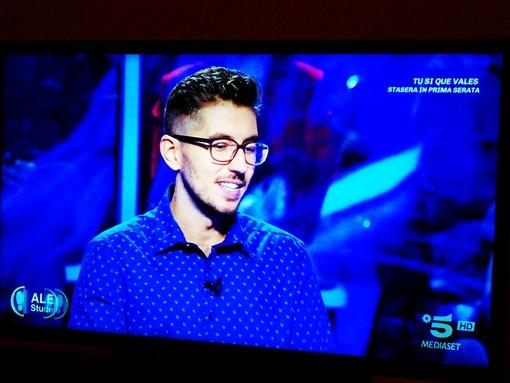 """L'albenganese Alex non supera il test del debutto a """"Caduta Libera"""" su Canale 5"""