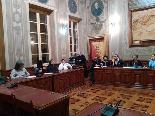 """""""Braccio di Ferro"""" tra maggioranza e minoranza finalese in consiglio comunale (FOTO e VIDEO)"""