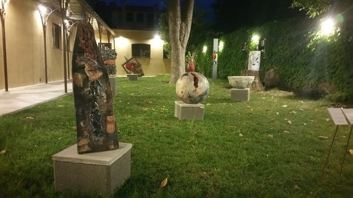 """Albissola: """"Nell'Antico Giardino"""" parco sculture di Giacomo Lusso e Carlo Sipsz"""