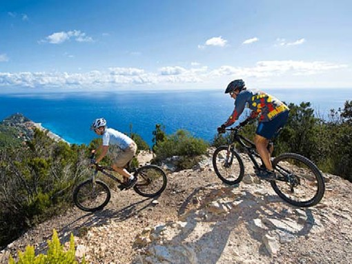 Mille chilometri e 123 comuni toccati: la grandiosa 'Ciclovia dei parchi liguri'