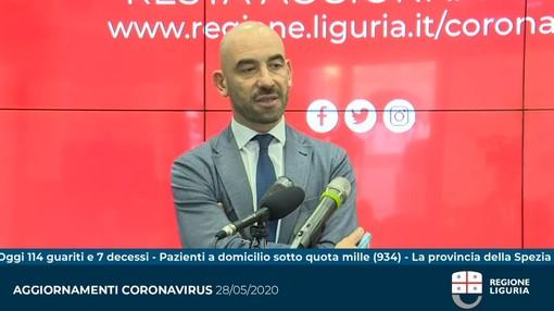 """Coronavirus, l'annuncio di Bassetti: """"Presto chiuso il padiglione più grande del San Martino allestito per l'emergenza"""" (VIDEO)"""