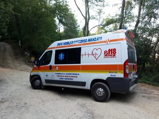 Biker cade nel bosco a Magliolo: mobilitati vigili del fuoco e sanitari (FOTO)