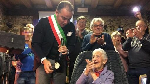 Calizzano, 'nonna' Celestina Olivero spegne 100 candeline