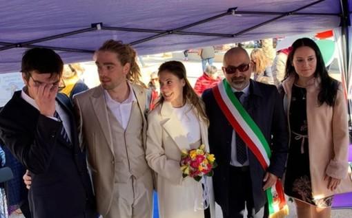 Simona e Christophe finalmente sposi: Italia, Francia e States si incontrano a Borghetto (FOTO)