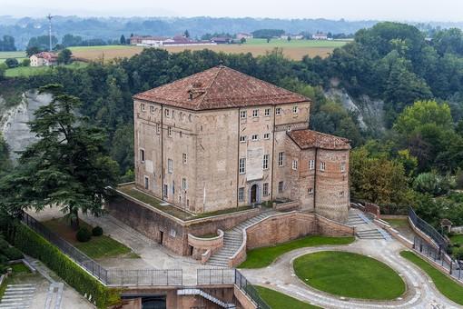 Foto: il Castello di Carrù, sede della BAM