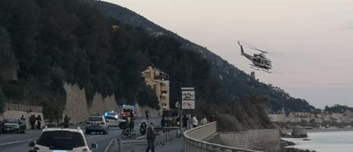 Bambino di 4 anni cade dalla finestra di casa a Finale Ligure: trasportato con l'elisoccorso al Gaslini