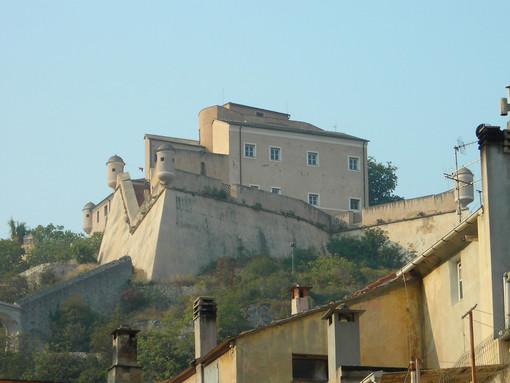Idee originali: aspettare la notte di San Lorenzo sul forte di San Giovanni a Finalborgo