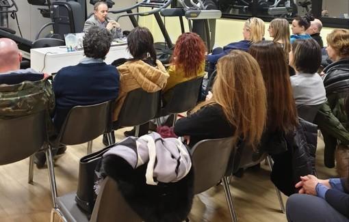 """Un viaggio nei segreti dell'ipnosi con la presentazione di """"Le anime non hanno colpa"""" al Centro Medico San Nicolò di Albisola Superiore"""
