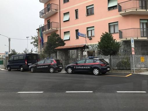 22enne arrestata dai carabinieri a Cairo per furto, rapina impropria e lesioni