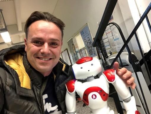 """Albenga, il consigliere Ciangherotti (FI) all'inaugurazione del nuovo laboratorio di robotica e automazione dell'istituto Itis """"Galileo Galilei"""""""