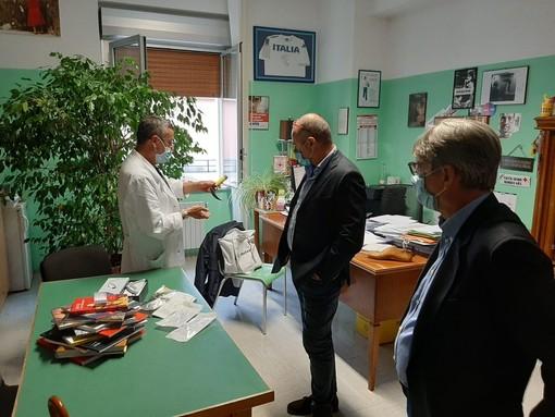 Savona, consegnato all'ospedale San Paolo un videolaringoscopio di ultima generazione