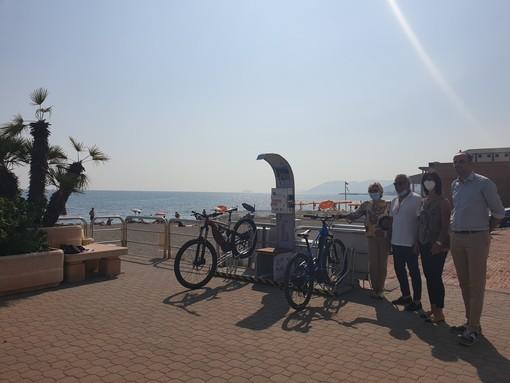 Pietra Ligure: inaugurate tre colonnine di ricarica per e-bike
