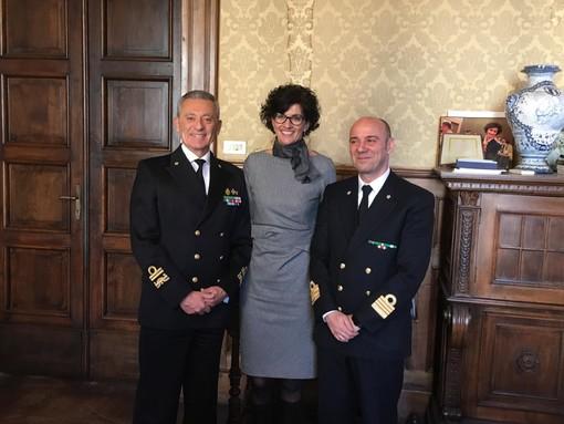 Savona, il sindaco Caprioglio saluta l'Ammiraglio Giovanni Pettorino