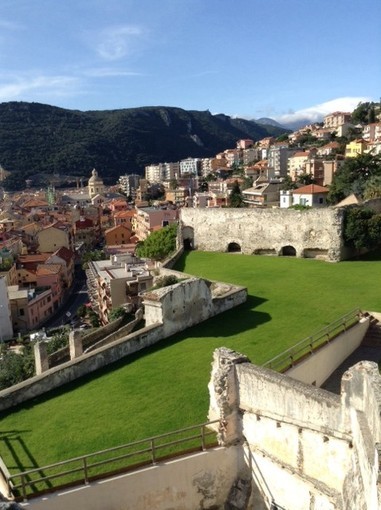 """Finale Ligure, alla fortezza di Castelfranco in scena """"L'avaro"""" di Moliére"""