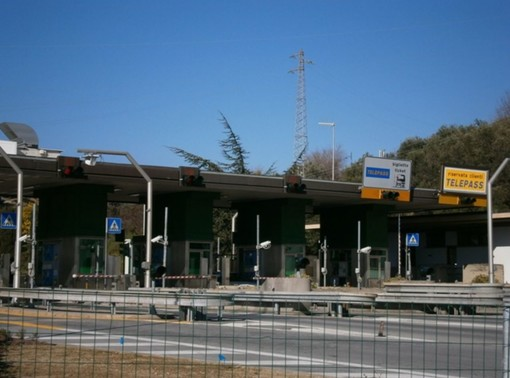 Riapertura dell'Aurelia in entrambi i sensi di marcia: il 7 dicembre termina l'agevolazione tariffaria sulla A10 tra Finale Ligure e Pietra Ligure