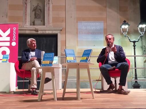 Il giornalista e scrittore Ferruccio De Bortoli conquista la platea di Albissola Marina