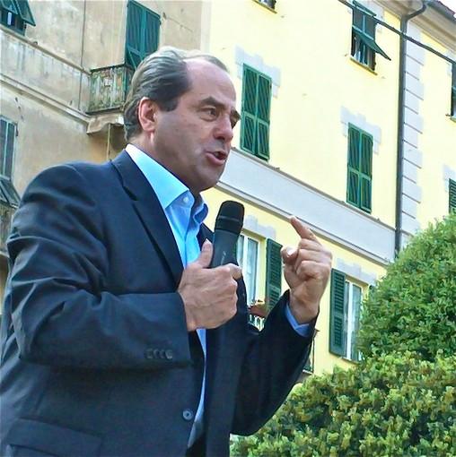 """Di Pietro a Savona: """"il Governo non risponde alle interrogazioni su questa provincia"""""""