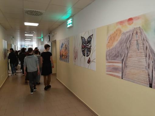 """Savona, i """"sogni"""" degli studenti del Ferraris Pancaldo illuminano le pareti del reparto psichiatrico (FOTO e VIDEO)"""
