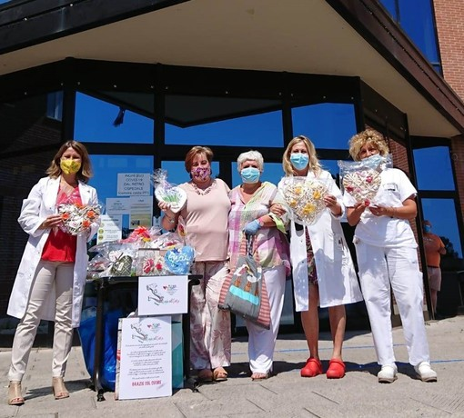 """I manufatti di """"Grazie Col Cuore"""" arrivano all'ospedale di Albenga"""