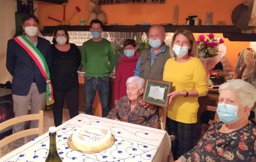 """Giustenice festeggia i 100 anni di """"Gemma"""" Lanfranco"""