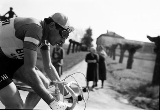 Un valbormidese è Fausto Coppi in docufilm Rai: Jacek Berruti fa rivivere il mito del Campionissimo