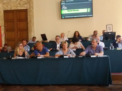 Savona, approvata la modifica del regolamento comunale per l'occupazione di spazi ed aree pubbliche e per l'applicazione del relativo canone