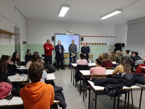 Giornata per la sicurezza nelle scuole: all'Artistico ricordate le vittime di Rivoli, San Giuliano e L'Aquila