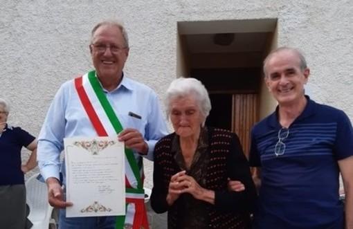 """Bormida festeggia i 100 anni di Giovannina Vignolo, il sindaco: """"Una giornata speciale"""""""