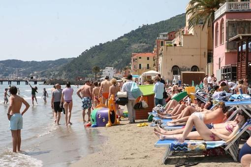 Alassio Stabilimenti Balneari Vs Mare, i turisti costretti a scegliere l'entroterra