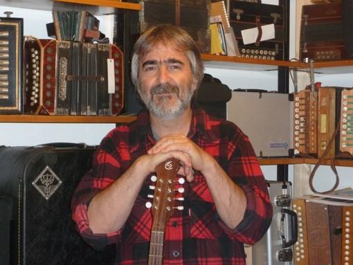 Stella Gameragna, esposizione di strumenti musicali della tradizione