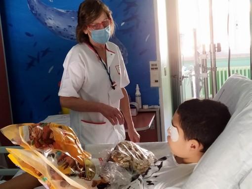 Donate all'ospedale Gaslini oltre 5.000 uova di Pasqua e 700 vasetti di fiori [FOTO]