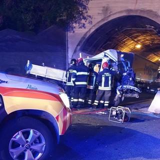 Incidente ieri sera sulla A10: aveva 54 anni ed era di Olivetta San Michele l'uomo morto sul colpo