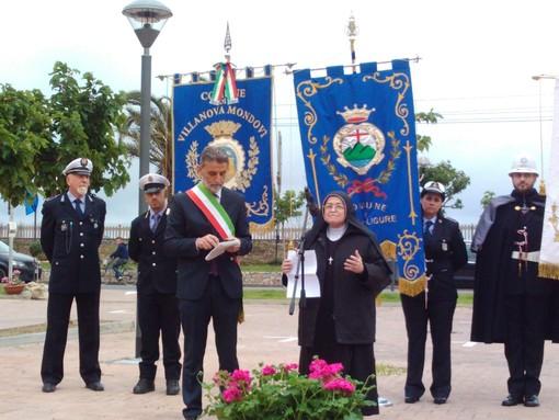 """Pietra Ligure, inaugurata piazza Madre Carla De Noni. Il sindaco Valeriani: """"È la mia conclusione, ne sono orgoglioso"""" (FOTO e VIDEO)"""