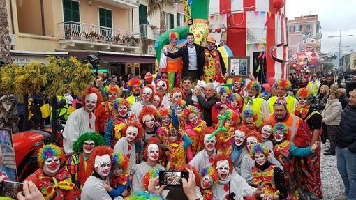 """CarnevaLöa 2020, il carro """"Il circo della vita"""" di Bardino Vecchio vince il Palio dei Comuni"""