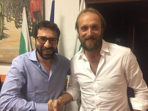 Nelle due foto: Massimo Niero, della segreteria provinciale, con i segretari albenganesi subentrante e uscente