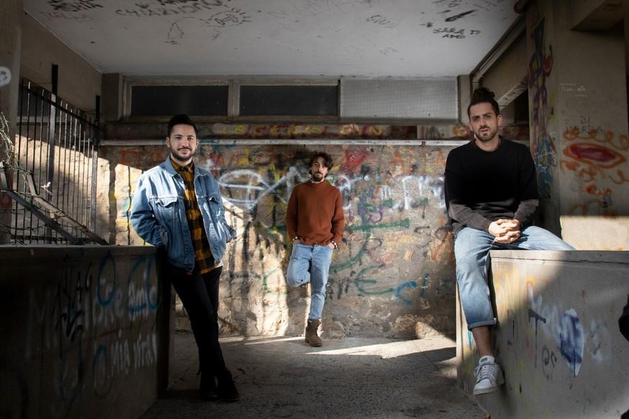 """Zueno: è uscito il videoclip di """"Cartolina"""", singolo d'esordio della band  genovese prodotta da Zibba (VIDEO) - Savonanews.it"""