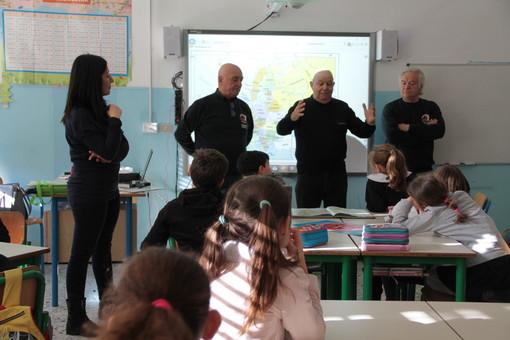 """Assonautica alla scuola """"Callandrone"""" di Savona per spiegare come vivere il mare"""