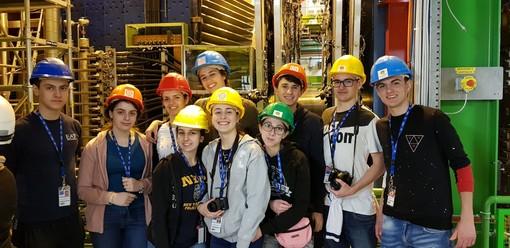 """Il progetto EEE porta gli alunni del liceo """"Calasanzio"""" di Carcare al CERN di Ginevra"""
