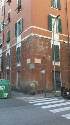 Finalborgo come Villapiana: precipitano calcinacci dai cornicioni